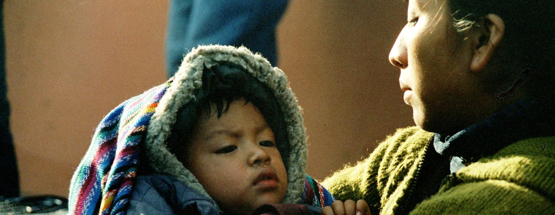 צ'יצ'יקסטננגו / גואטמלה - אם ותינוק