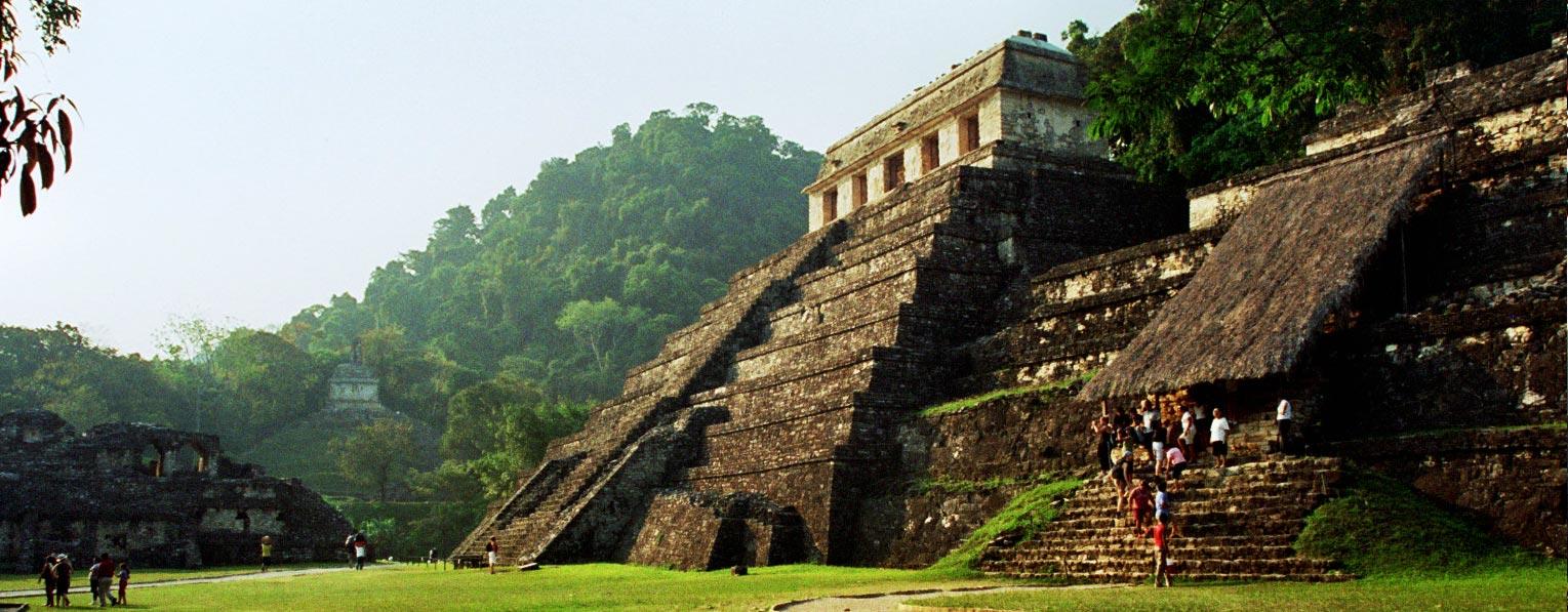 מקסיקו - פירמידה מתרבות המאיה בפאלנקה