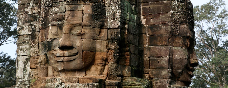 קמבודיה - מקדש באיון בחורבות אנגקור