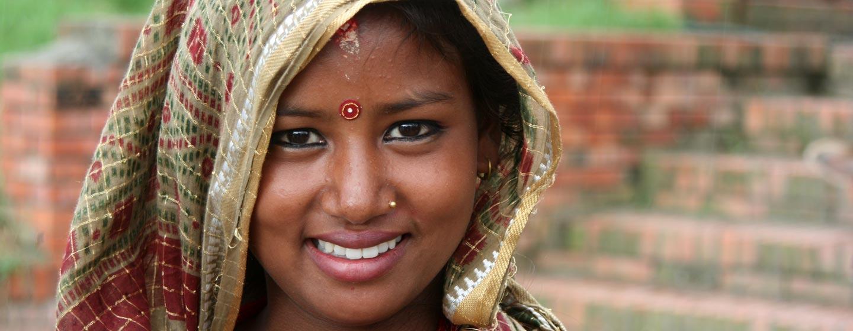 נפאל - נערה הודית בעמק קטמנדו