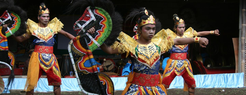 טקסי טרנס בג'אווה - אינדונזיה