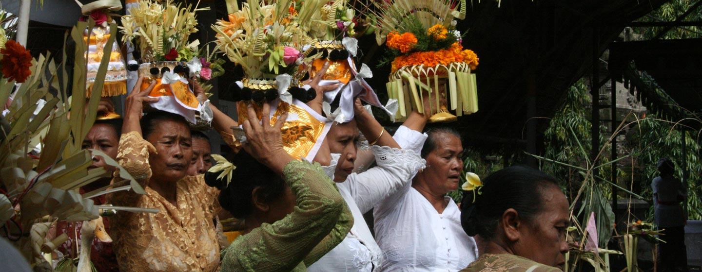 מנחות גבוהות בפסטיבל באי באלי, אינדונזיה