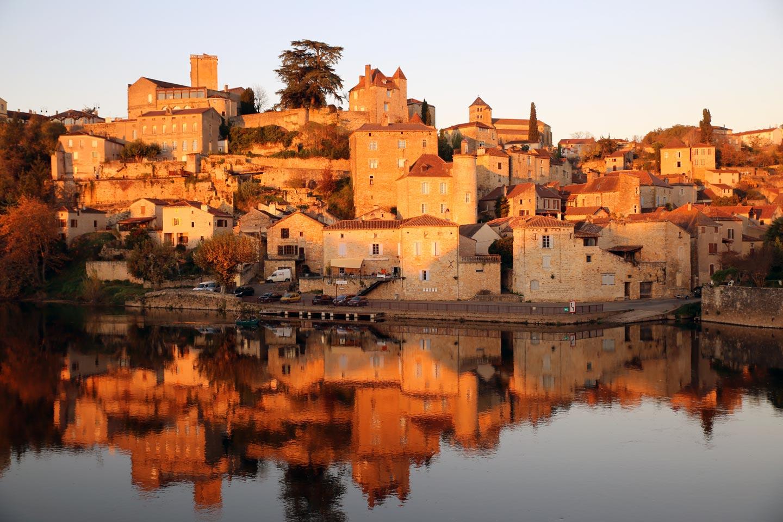כפר על שפת נהר טראן, מחוז פריגור, צרפת