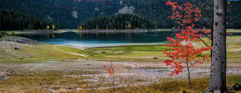האגם השחור, שמורת דורמיטור בסתיו, מונטנגרו