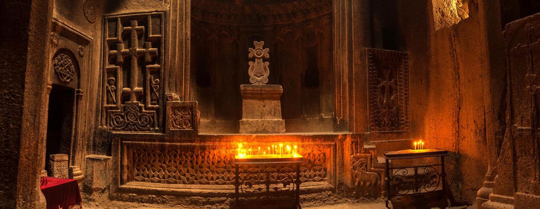 מנזר גרארד, השוכן בקרבת הבירה ירוואן, ארמניה