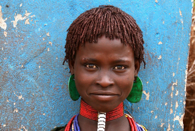 נערה משבט האמר, נהר האומו הדרומי, אתיופיה