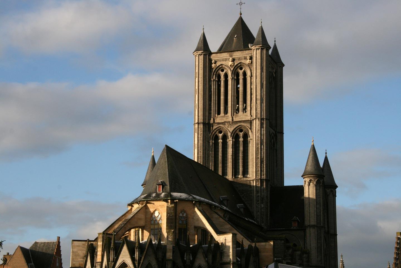 צריח כנסייה גותית, בלגיה