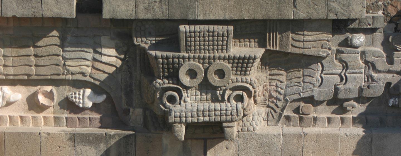 האל טלאלוק בחזית מפוארת בטאוטיוואקאן במקסיקו