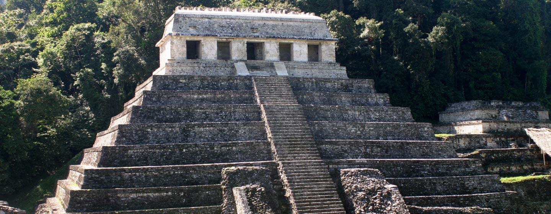 פירמידת הכתובות בפאלנקה - מהיפות בפירמידות שיצרו בני תרבות המאיה