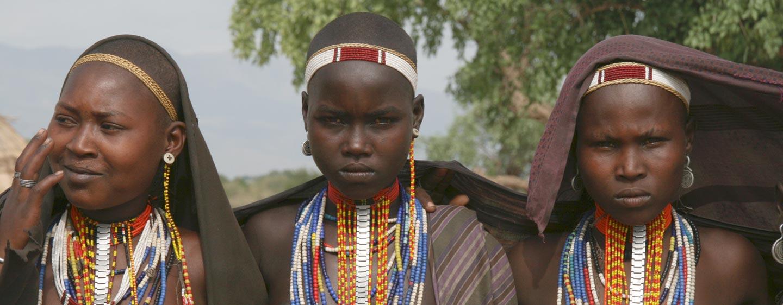 אתיופיה - נערות משבט ארבורה באגן נהר אומו הדרומי