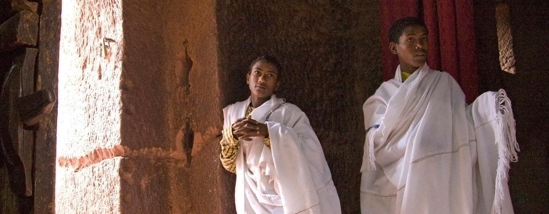 לליבלה / אתיופיה - צליינים בכנסיות החצובות