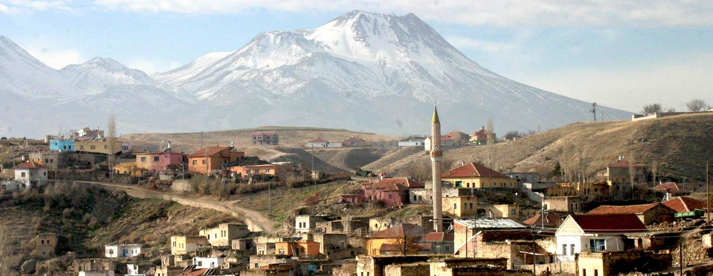 קפדוקיה | טורקיה - כפרים והרי געש בנופי קפדוקיה ברמת אנטוליה