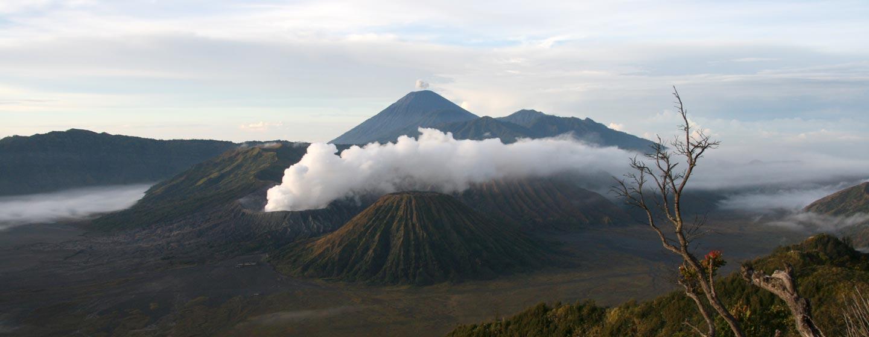 ג'אווה / אינדונזיה - זריחה בהר הגעש ברומו וסומרו