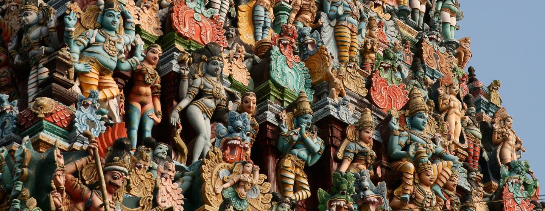 קלוז אף על אחד משערי המקדש במדוראי - דרום הודו