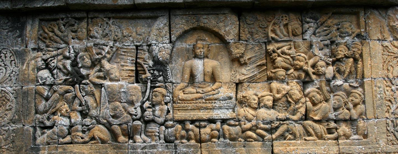 תבליטי קיר - הסטופה של בורובודור באי ג'אווה - אינדונזיה