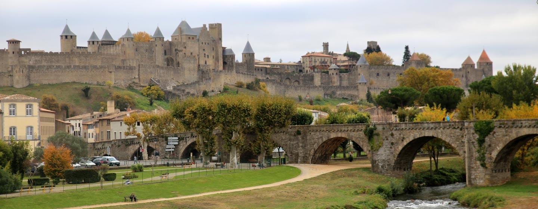 לנדואוק ורוסליון / צרפת - עיר ומגדלים מימי הביניים