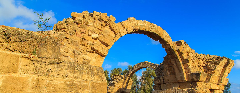 שרידי קשתות יווניות בפאפוס, קפריסין