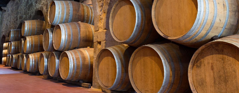 חביות יין פורט בעיר פורטו שבפורטוגל