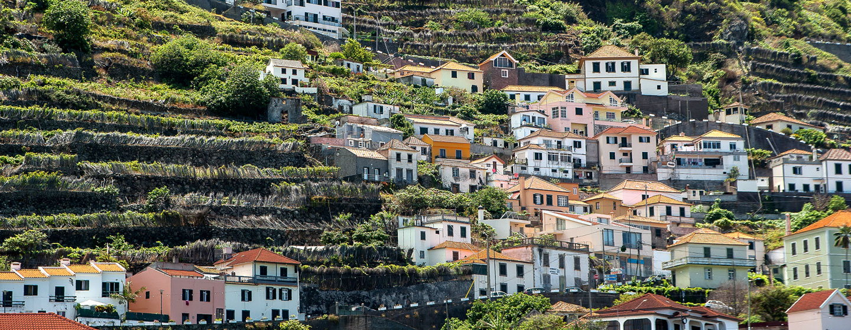 פורטו מוניז, האי מדירה