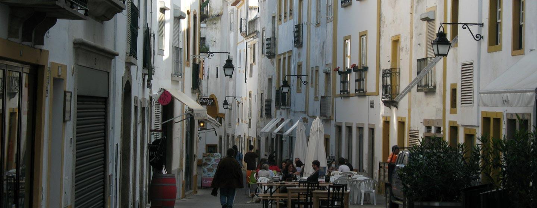פורטוגל - סמטאות בעיירה אבורה