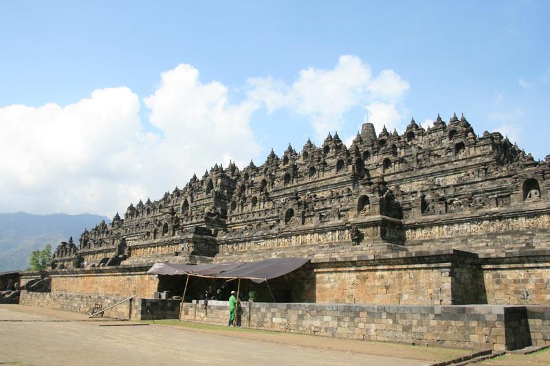 מבט כללי על הסטופה בבורובודור, ג'אווה, אינדונזיה. צילום: ניסו קדם