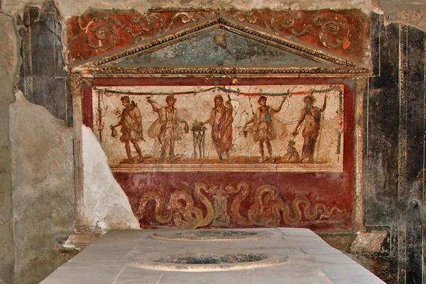 בין השרידים המרשימים בפומפיי התגלו ציורי קיר מרהיבים | צילום: Daniele Florio