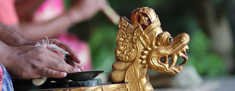 המצלתיים. מכלי הנגינה של הגמאלאן. באלי, אינדונזיה. צילום: ניסו קדם