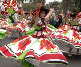 8 ימים באי מדירה בחגיגות הפרחים הססגוניות